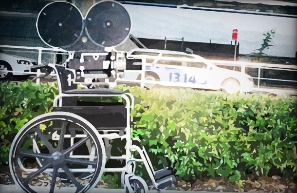 Инвалид-колясочник снял ролики о недоступной среде Петербурга, и чиновники зашевелились