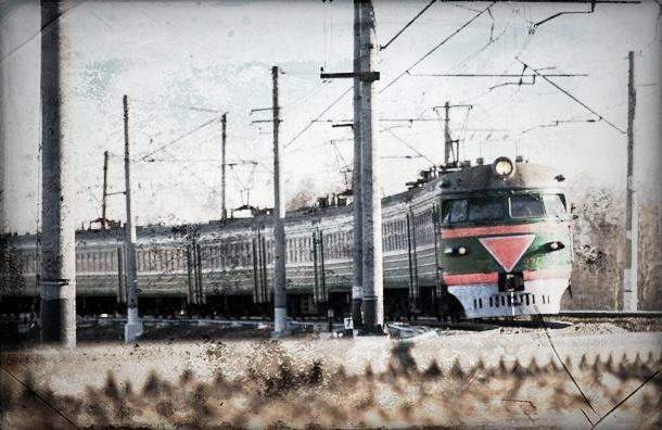 Если на остановке электрички нет кассы - в поезд можно садиться без билета