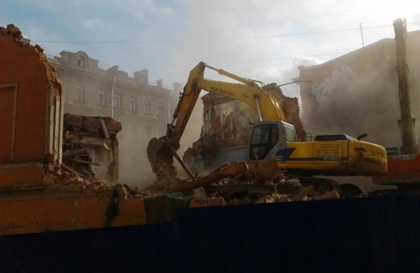 Суды не знают, что делать со сносами в центре Петербурга