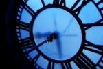 Будут ли переводить часы на зимнее время в октябре 2012 года?