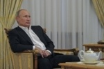 Приговор Pussy Riot справедлив, потому что они разрушают страну, считает Путин