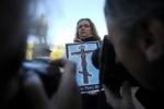 В Петербурге проходят акции в защиту Pussy Riot