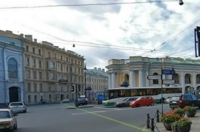 Движение на перекрестке Невского проспекта и Садовой ограничат на месяц