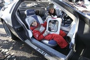 Мальчик из Москвы прокатился на машине времени
