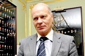 Бывший вице-губернатор Смольного Тихонов угодил в аварию с автобусом в Москве