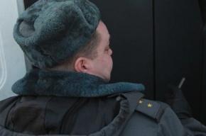 В Петербурге хулиган избил полицейского прямо в отделе