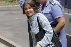 Освобожденная участница Pussy Riot Самуцевич принесла продукты в СИЗО