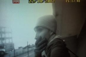 Воры обокрали квартиру петербуржца, а награбленное увезли на его машине