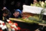 Прощание с Ильей Олейниковым (2): Фоторепортаж