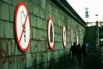 Фоторепортаж: «Знаки на набережной Обводного канала»