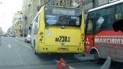 Фоторепортаж: «Столкнулись автобусы Большой проспект 8 ноября 2012»