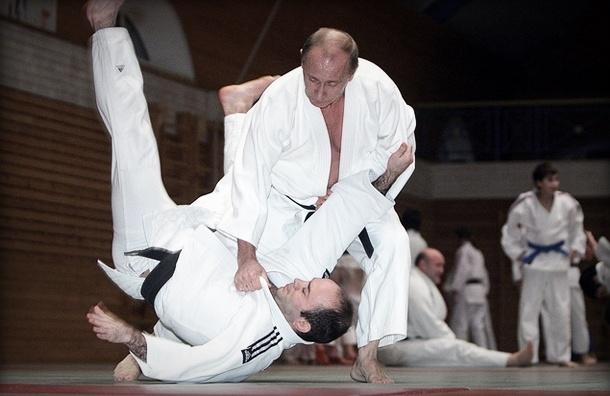 Что с Путиным? Пресс-секретарь президента рассказал о его травме