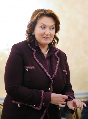 Елена Скрынник: Фото