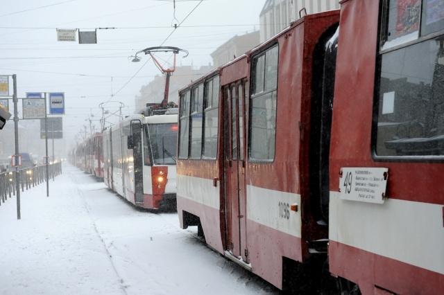 Трамвай и автобус ДТП авария 30 ноября 2012: Фото