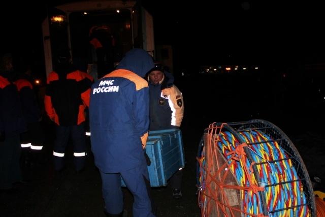 Работа спасателей на месте затопления сухогруза «Амурская»: Фото