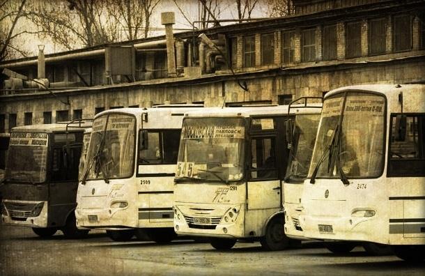 В Петербурге обстреляли пять маршруток с пассажирами