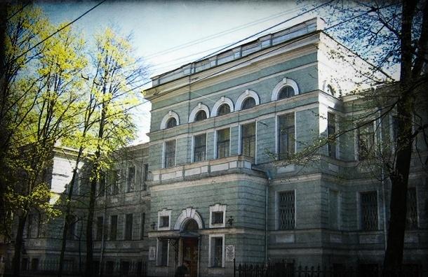 ВМА пока не станут переносить из центра Петербурга