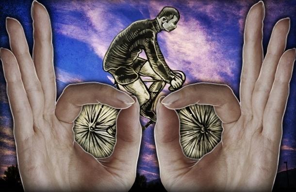 Общественное мнение: на велосипедах в Петербурге ездят фрики в белых трусах