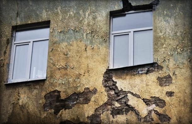 В Петербурге четырехлетний мальчик выпал из окна
