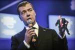 Медведев рассказал, что Путин «жив-здоров»