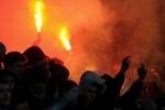 Футбольным хулиганам вход на стадион запретят пожизненно