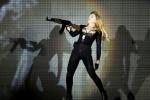 Мадонну обвинили в подрыве обороноспособности России