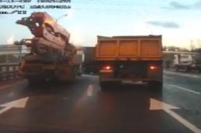 УГИБДД Петербурга возбудило дело против дорожников из-за аварии 52 авто