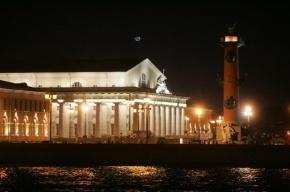 Какие улицы и здания в центре Петербурга украсят художественной подсветкой