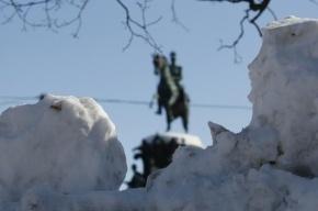 Движение «Красивый Петербург» принимает жалобы на сугробы и сосульки