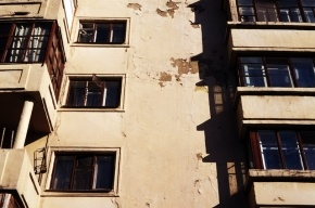 В Петербурге студентка выпрыгнула с 12-го этажа