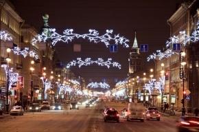 Более 200 млн рублей потратит Петербург на оформление города к Новому году