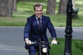 Штрафы за нарушение ПДД в Петербурге и Москве надо увеличить до 500 тыс., - Медведев