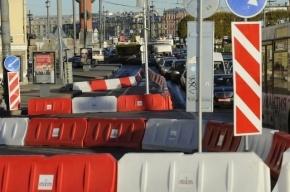 В Смольном объяснили, как объезжать закрытый на ремонт Дворцовый мост
