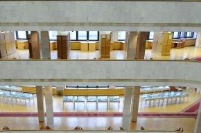 Мединский сходил в библиотеку и пообещал не увольнять сотрудников