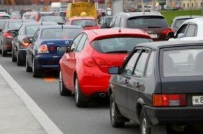 На Приморском шоссе машины едут со скоростью 3 км в час