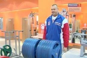 Петербуржец согнул 26 железных прутьев и попал в Книгу рекордов Гиннеса