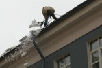 Фоторепортаж: «Очистка крыш от снега»