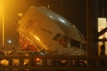 Фоторепортаж: «Самолет во Внуково совершил жесткую посадку - фото»