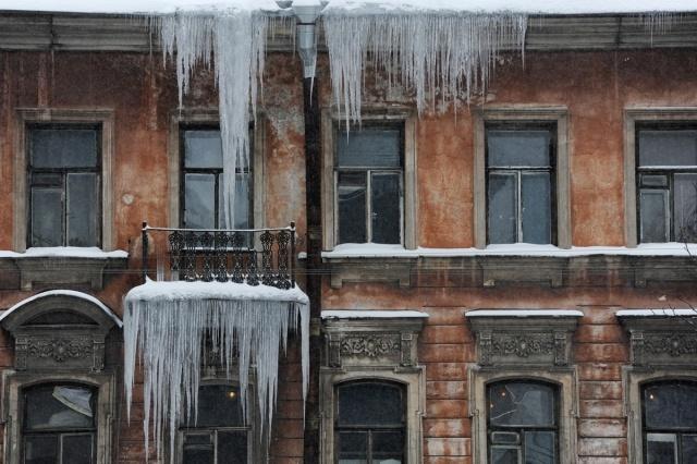 Сосульки в районе Каменноостровского проспекта: Фото