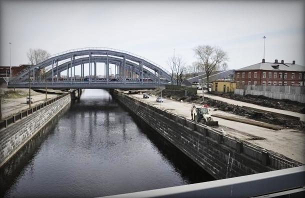 Движение под Американскими мостами откроют 25 декабря