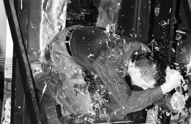 Студент выбросился из окна в студгородке на «Парке Победы», как только начался конец света