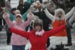 Толпа петербуржцев станцевала Gangnam Style на Дворцовой (смотреть)
