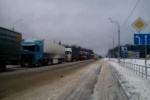 На трассе М10 стокилометровая пробка, движение перекрывают для снегоуборочной техники