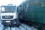 Авария на жд Каменск-Уральский 4 декабря: локомотив тащил грузовик почти километр