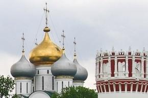 Монахини Новодевичьего монастыря выгнали женщину с ребенком, больным раком