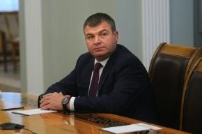 Сердюков отказался отвечать на вопросы следователей без адвоката