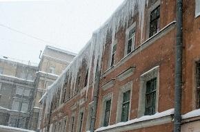В Петербурге названы районы-лидеры по плохой уборке снега