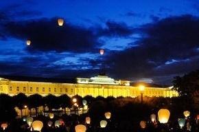 В Петербурге запустят сотни небесных фонариков