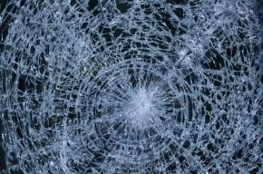 В Петербурге полицейский ранил водителя маршрутки, из-за чего тот попал в ДТП