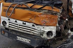 В Подмосковье водитель въехал в дом на КамАЗе и травмировал ребенка